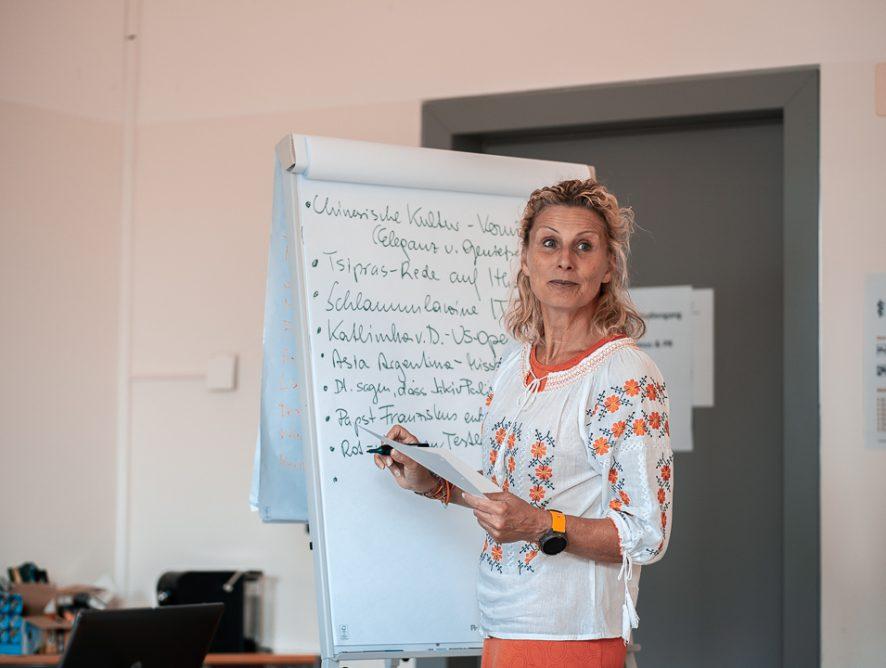 Neue Termine - Aufnahmetests für Journalismus und PR an der Uni Liechtenstein